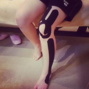 膝痛テーピング2