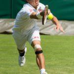 練習中は痛くないのに、家に帰ると痛む?「テニス肘・外側上顆炎」を治すには?
