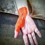 マウスをクリックするだけで手首が痛いんですけど?!「PC・スマホ腱鞘炎」の改善法